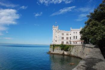 Schloss Miramare bei Triest in Friaul-Julisch Venetien