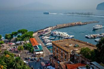 Hafen von Sorrent